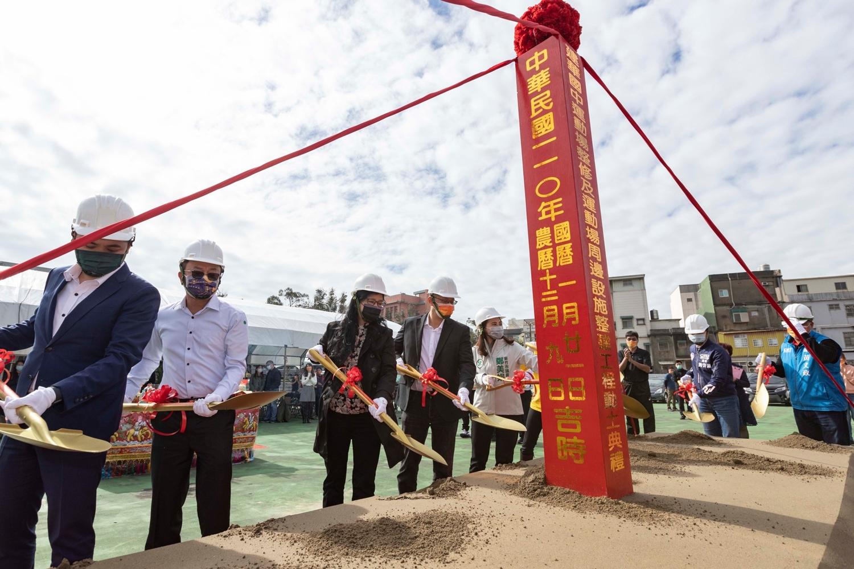 竹市5年投入2億改善校園體育設施 「千樹林」要翻轉建華國中30年老運動場活動照片i